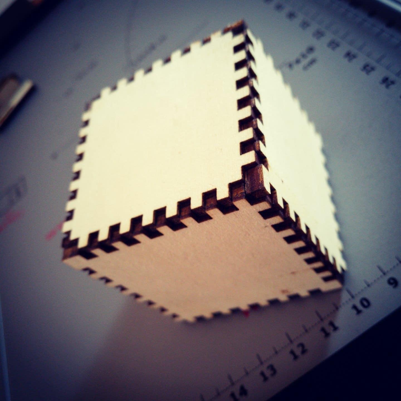 Cubo in legno.JPG